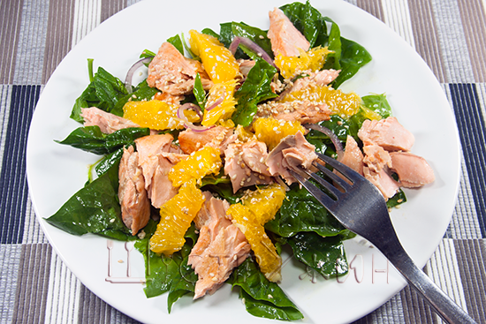 свежий Салат с лососем и апельсином, рецепт
