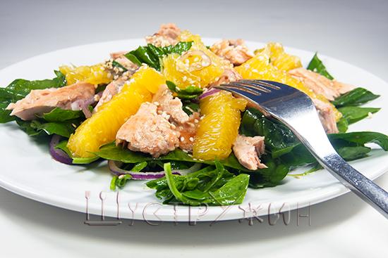 Как приготовить свежий цитрусовый салат с лососем и апельсином