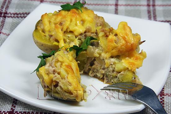 Как приготовить картофель с консервированным тунцом в духовке