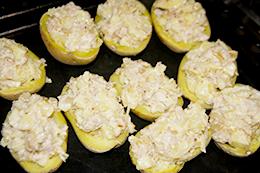как просто приготовить картошку и тунец в духовке