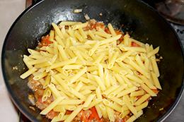 паста с помидорами на сковороде, как приготовить фото