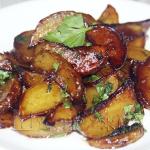 Молодой картофель в медово-соевом соусе