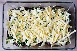 запеченные с творогом баклажаны под сыром, как приготовить фото